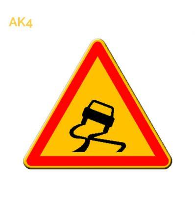 AK4 - panneau routier temporaire chaussée glissante Mysignalisation